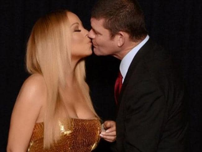 Mariah Carey and James Packer kissing on Valentine's Day. Picture: Mariah Carey/Instagram