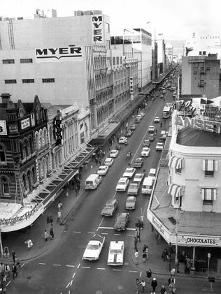 Traffic drives down Rundle Mall in 1974.