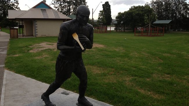 Michael Weyman statue in his home town of Moruya with the wooden spoon on it