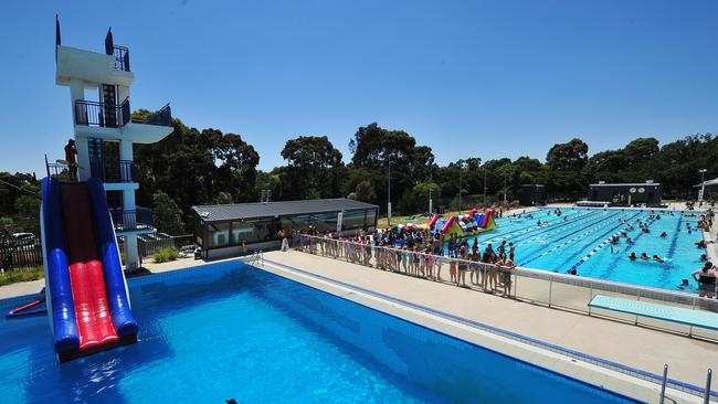 The best melbourne pools to head to in summer heraldsun for Outdoor swimming pools melbourne