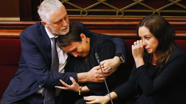 The debate has taken its toll on some of the pollies. Picture: Michael Dodge. Source: Getty Images.