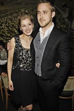 <p><em>Fracture</em> cast members Gosling and Rosamund Pike pose together at the post-premiere party for the film in Los Angeles in April 2007. Picture: AP Photo/Chris Pizzello</p>