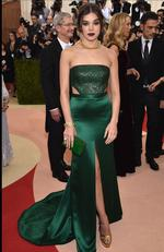 """Hailee Steinfeld attends the """"Manus x Machina: Fashion In An Age Of Technology"""" Costume Institute Gala at Metropolitan Museum of Art on May 2, 2016 in New York City. Picture: Dimitrios Kambouris/Getty Images"""