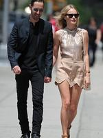 <p>A chic Kate Bosworth and her boyfriend Michael Polish hold hands as they take a stroll in downtown New York. Picture: Snappermedia</p>  <br />