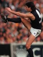 Stephen Kernahan breaks Carlton's goalkicking record in 1997.