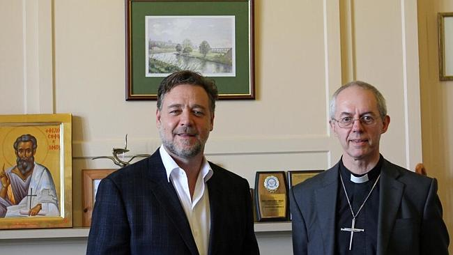 """""""Great visit"""" ... Russell Crowe meets the Archbishop of Canterbury at Lambeth Palace."""