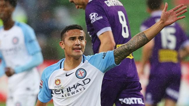 MELBOURNE, AUSTRALIA - OCTOBER 21: Tim Cahill of the City reacts after a contest during the round three A-League match between Melbourne City FC and Perth Glory at AAMI Park on October 21, 2016 in Melbourne, Australia. (Photo by Michael Dodge/Getty Images)