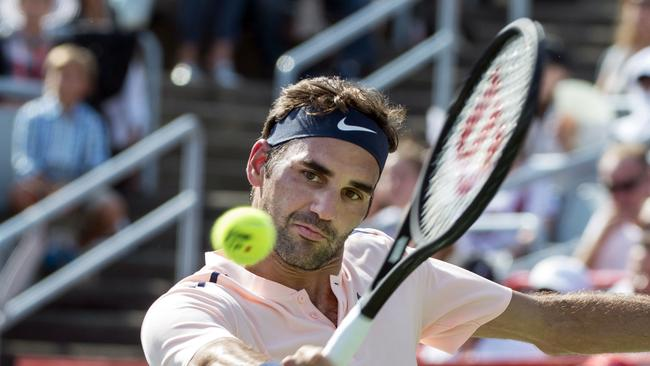 Roger Federer wasted little time in defeating Robin Haase at the Rogers Cup.