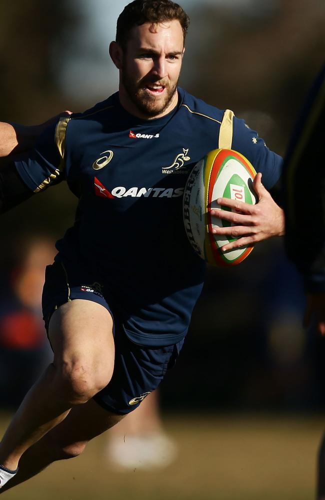 Nic White trains with the Wallabies in Orange.