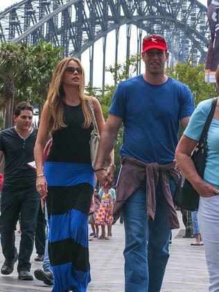 Sofia Vergara and Nick Loeb take a stroll in Sydney.