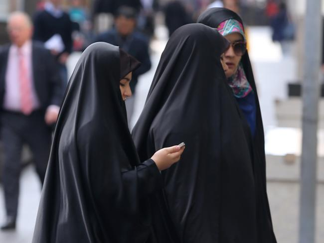 muslim single women in blanket Find muslim women for dates, love, marriage and social network – join us to find spicy women & girls from muslims chat mail likes and more.