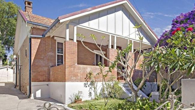 Sellers get mixed results at home auctions the courier mail for House hits 88
