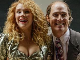 Bryce Dallas Howard and Matthew McConaughey in a scene from film Gold