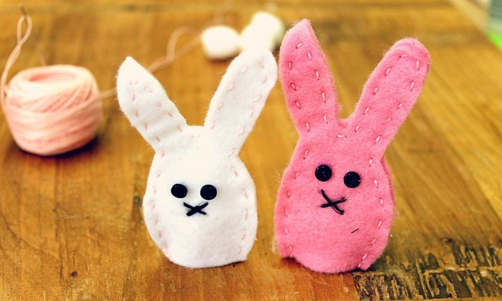 How to make bunny finger puppets