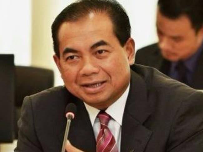Malaysia's Deputy Transport Minister Datuk Seri Aziz Ab Kaprawi said the man was drunk. Picture: Twitter