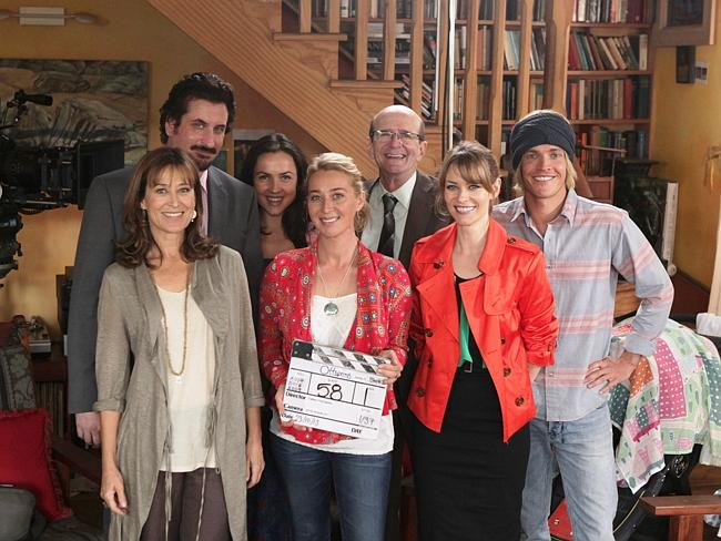 The cast of Channel 10's acclaimed drama comedy Offspring.
