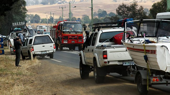 Tasmania fire vehicle convoy