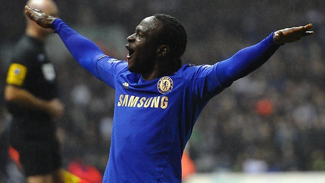 Chelsea have loaned midfielder Victor Moses to Liverpool.