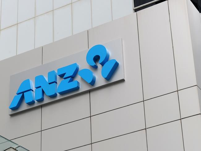 ANZ is clamping down on the ability for owner occupiers and investors to take out a loan.