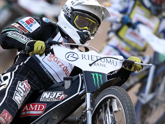 Woffinden leads the points heading to Riga