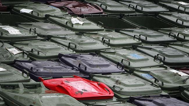 More than 35,000 wheelie bins will get the RFID tags in inner Sydney. Picture: Christopher Furlong/Getty Images.