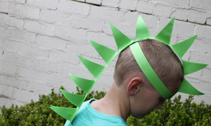 How to make a paper dinosaur hat