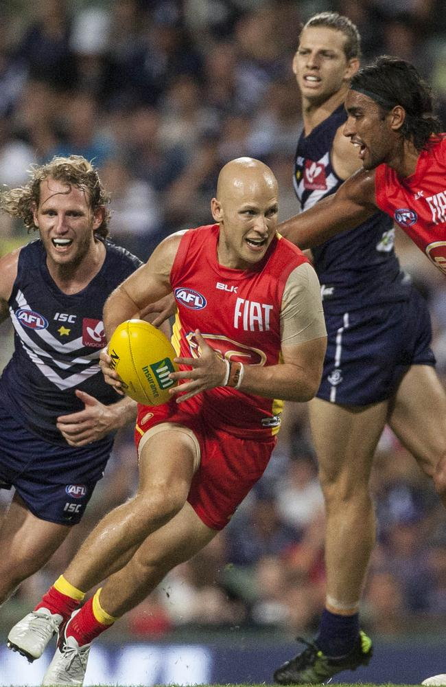 Gary Ablett runs out of congestion. Picture: AAP