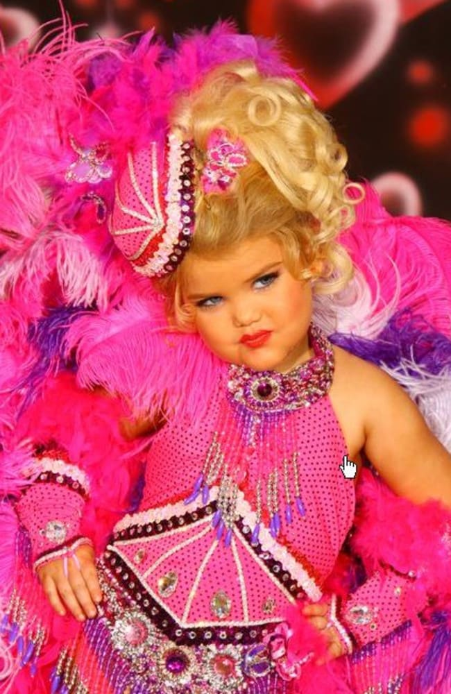 Chill - USA Child Beauty Pageants - American child pageant winner Eden Wood, stars in TV program ''Toddlers and Tiaras''. Pictures sourced from Facebook.