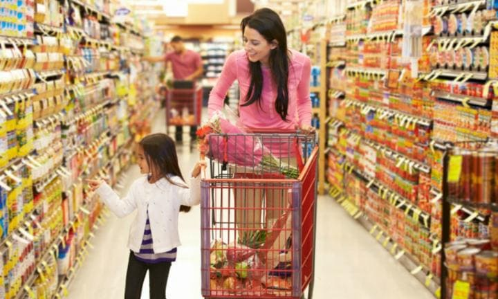 You can save at least $2,000 a year on groceries with these 10 simple tips