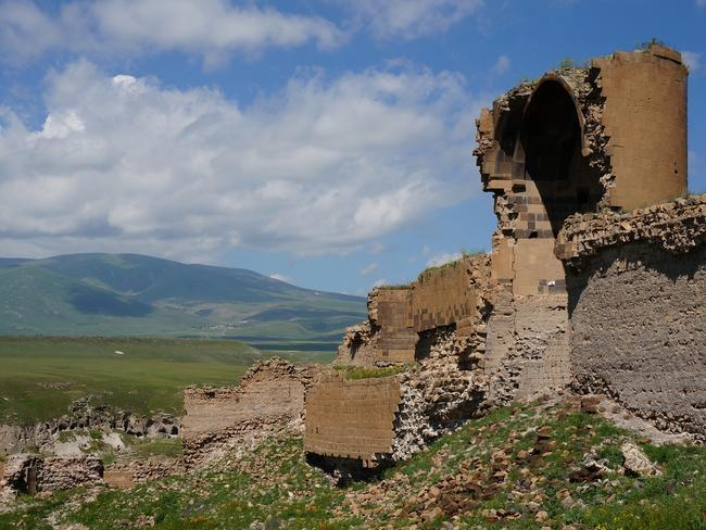 The ruins sit dramatically against the plateaus of inland Turkey. Picture: MrHicks46.
