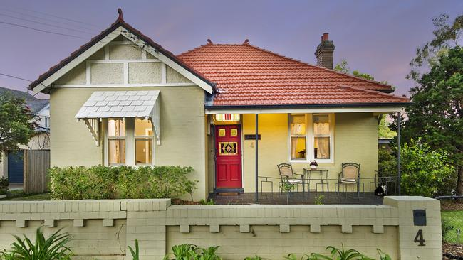 Four bedroom stunner leads top picks for sydney wide real estate market for Average cost to move a 4 bedroom house