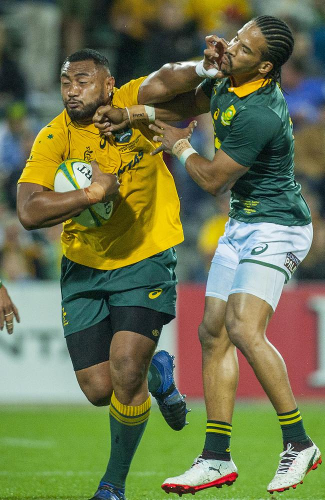 Sekope Kepu proves a handful from the Springboks in Perth.
