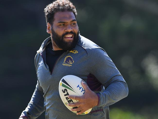 Mal apologises to Thaiday over Roos snub