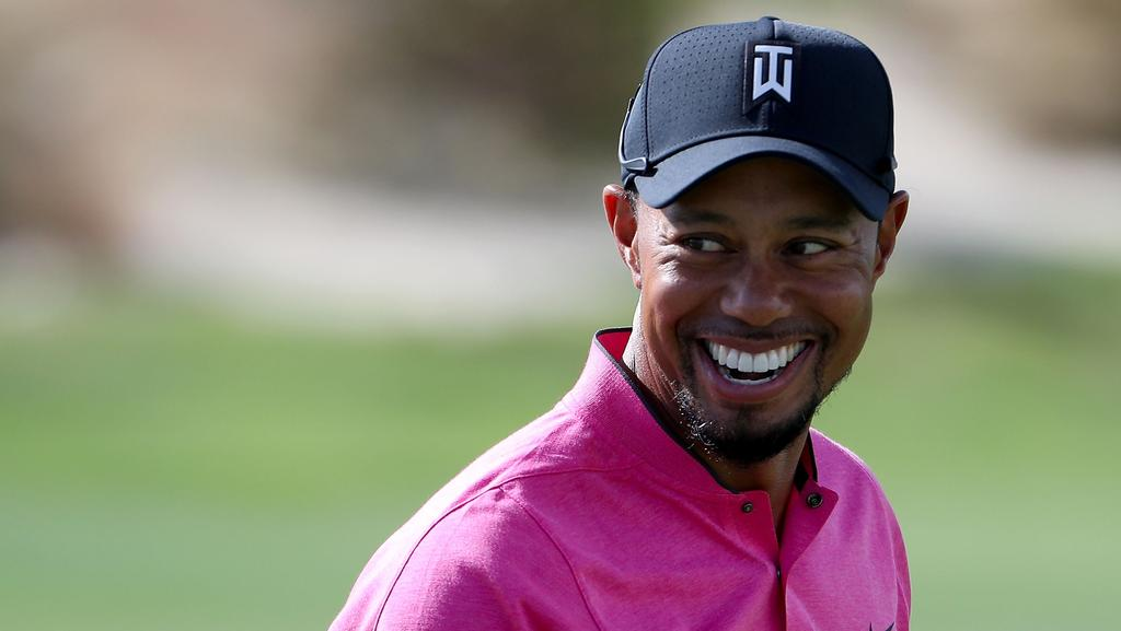 Tiger Woods practices chipping ahead of the Hero World Challenge.