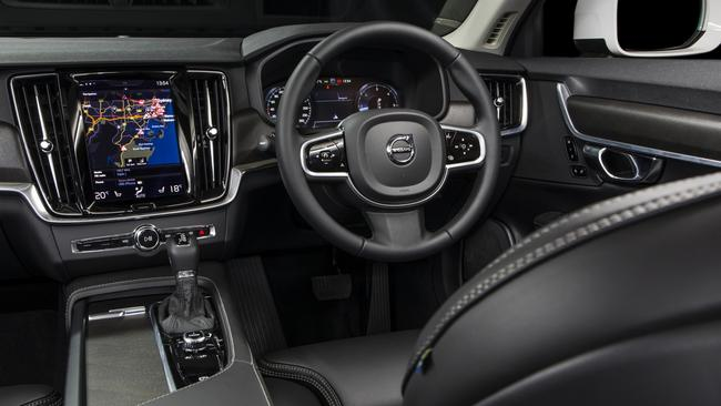 V90 cabin: Infotainment screen is portrait layout and has smartphone-style pinch and swipe ability.