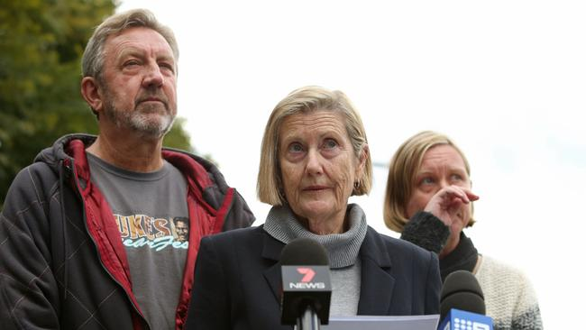 Julie Reed with her husband and daughter issue a statement on behalf of the family of Justine Damond, shot dead by police in the US.