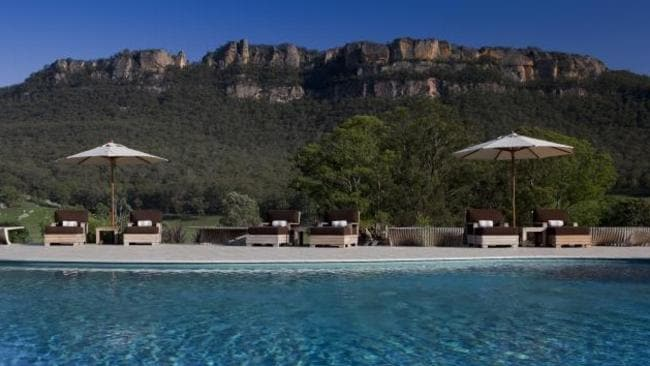 Mountains and pool = WolganValley Resort and Spa in the Blue Mountains