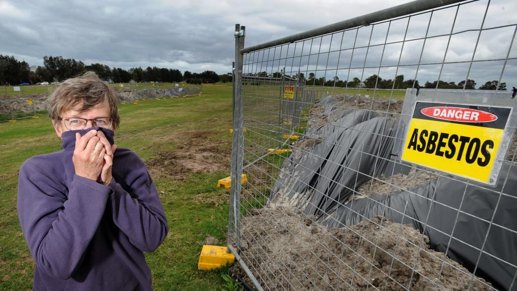 850 000 Clean Up Bill For Asbestos Dumped In Public Park