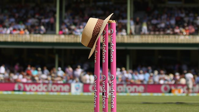 The hat of the late Tony Greig rests on the stumps ahead of play on day one of the third Test.