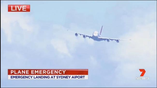 Qantas emergency landing qf93 to la from melbourne forced to land qantas flight makes emergency landing025 stopboris