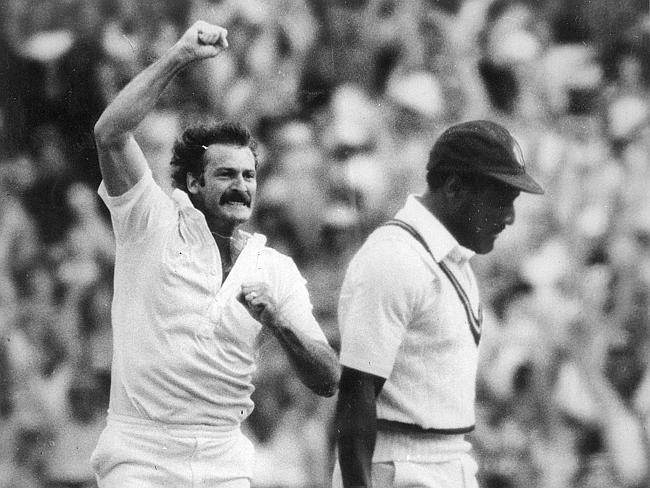 Dennis Lillee celebrates the wicket of Viv Richards during the 1981 Boxing Day Test.