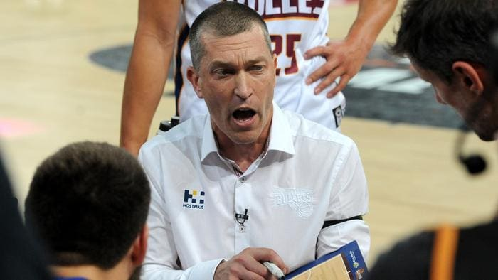 Brisbane Bullets head coach Andrej Lemanis gives instructions to his players, during the round 3 NBL match between Melbourne United and Brisbane Bullets, played at Hisense Arena in Melbourne, Thursday, Oct. 20, 2016. (AAP Image/Joe Castro) NO ARCHIVING, EDITORIAL USE ONLY