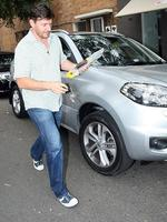 <p>MKR Celebrity Chef Manu Feildel was spotted driving his car without a licensed driver present. Manu only has his L-plates. But he's not the only star whose been involved in a road drama. Picture: Infphoto.com</p>