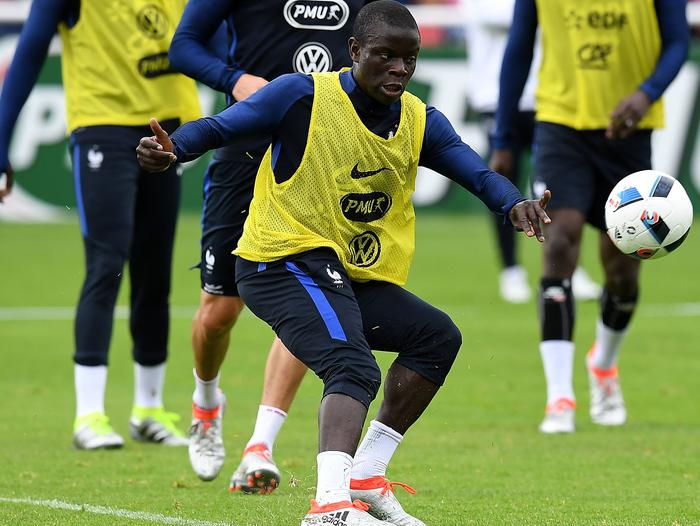 FraN'Golo Kante (C) controls the ball during a France training session.