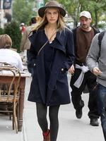 <p>Recently separated from Aussie singer Angus Stone, Isabel Lucas steps out in New York City looking every inch the trendster. Picture: Snappermedia</p>