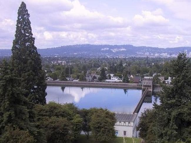 Reservoir being emptied ... A 143-million litre reservoir at Mount Tabor in Portland will be drained after a teenage was filmed urinating into it. Picture: Wikipedia
