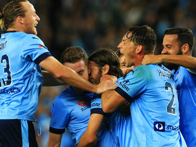 Sydney FC smash Perth to reach decider