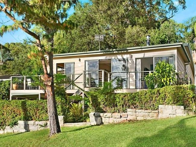 No space for a Saturday auction: 6 Taiyul Rd, North Narrabeen, is being auctioned on Sunday at noon.