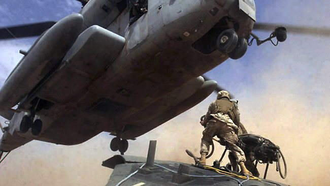 A US special forces raid on Somalia in 1993 went badly wrong, with troops sent to capture a Somali warlord themselves becoming surrounded and cut off from support.