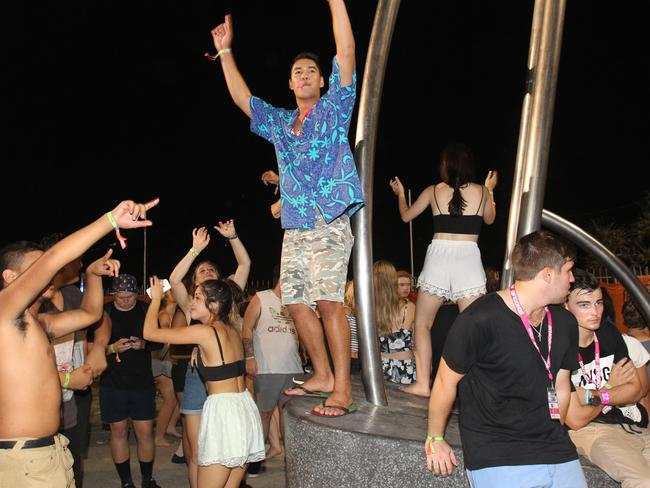 "The first-night celebrations lasted early into the morning. Picture: Mike Batterham  <blockquote class=""twitter-tweet"" lang=""en"">  <p>Some of the hundreds of discarded shoes left by <a href=""https://twitter.com/hashtag/Schoolies?src=hash"">#Schoolies</a> o'nite on Surfers beach <a href=""https://twitter.com/9NewsBrisbane"">@9NewsBrisbane</a> <a href=""https://twitter.com/TheTodayShow"">@TheTodayShow</a> <a href=""http://t.co/5mVPQ1jwj0"">pic.twitter.com/5mVPQ1jwj0</a></p>— Mark Hanrahan (@MarkHanrahan9)   <a href=""https://twitter.com/MarkHanrahan9/status/536245862695854080"">November 22, 2014</a> </blockquote>  <script async="""" src=""//platform.twitter.com/widgets.js"" charset=""utf-8""></script> Sub-type: commentCAPTION: Some of the hundreds of discarded shoes left by #Schoolies o'nite on Surfers beach @9NewsBrisbane @TheTodayShow pic.twitter.com/5mVPQ1jwj0 — Mark Hanrahan (@MarkHanrahan9) November 22, 2014  <blockquote class=""twitter-tweet"" lang=""en"">  <p>New shift of <a href=""https://twitter.com/hashtag/SchooliesGC?src=hash"">#SchooliesGC</a> officers about to start. Getting a briefing ahead of getting out & about. <a href=""https://twitter.com/hashtag/schoolies?src=hash"">#schoolies</a> <a href=""http://t.co/qc9mGxEMlG"">pic.twitter.com/qc9mGxEMlG</a></p>— QPS Media Unit (@QPSmedia)   <a href=""https://twitter.com/QPSmedia/status/536099143597297664"">November 22, 2014</a> </blockquote>  <script async="""" src=""//platform.twitter.com/widgets.js"" charset=""utf-8""></script> Sub-type: commentCAPTION: New shift of #SchooliesGC officers about to start. Getting a briefing ahead of getting out about. #schoolies pic.twitter.com/qc9mGxEMlG — QPS Media Unit (@QPSmedia) November 22, 2014"